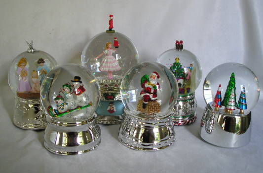 Christmas Musical Water Globes